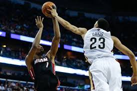 Anthony Davis blocks Chris Bosh